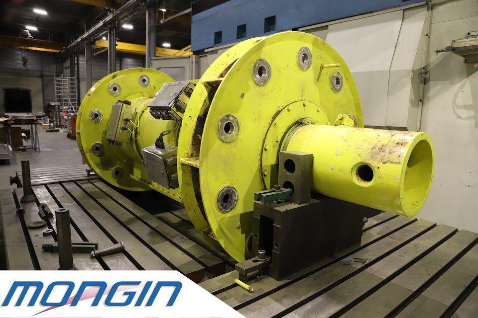 Nous réparons et restaurons aussi les gros ensembles mécaniques destinés aux manèges forains.